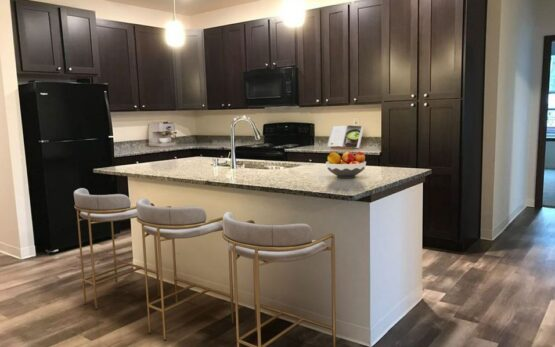 spring city crossing apartments, affordable apartments in waukesha