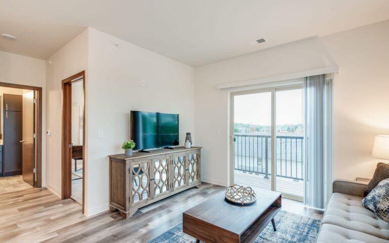 3 bedroom apartments in waukesha, spring city crossing, luxury apartments in waukesha